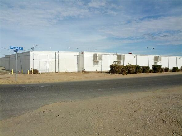 15121 Palmdale Rd., Victorville, CA 92394 Photo 3