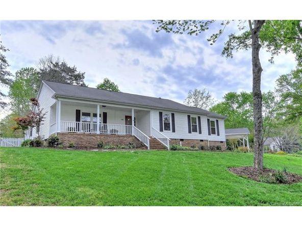 4001 Bridgewood Ln., Charlotte, NC 28226 Photo 1