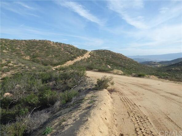 95 El Toro, Lake Elsinore, CA 92532 Photo 18