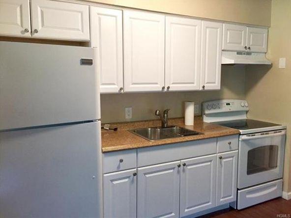 10 Oakwood Terrace, Unit #20, New Windsor, NY 12553 Photo 2
