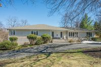Home for sale: 7 Chetwynd Terrace, Livingston, NJ 07039