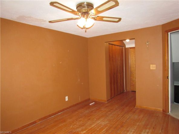 25415 Country Club Blvd., North Olmsted, OH 44070 Photo 8