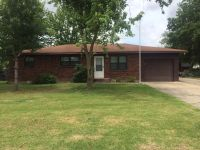 Home for sale: 1312 Mcdougal Ave., Sikeston, MO 63801