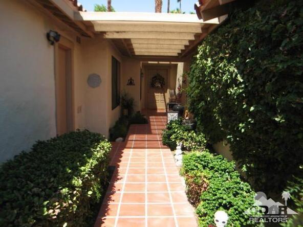 290 Cordoba Way, Palm Desert, CA 92260 Photo 2