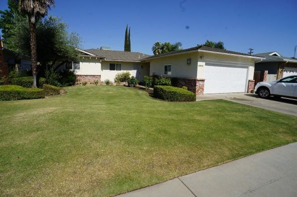 3986 N. Pacific Avenue, Fresno, CA 93705 Photo 2