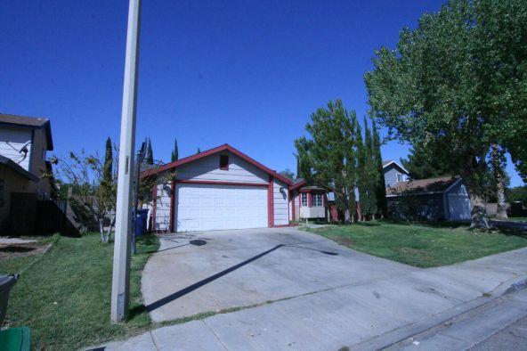 37947 Debra Ann Pl., Palmdale, CA 93550 Photo 2