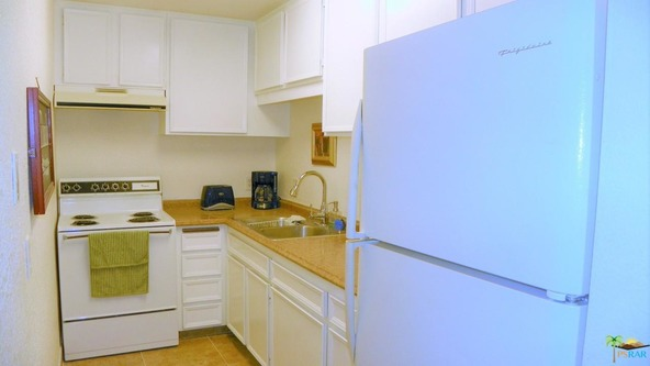 550 N. Villa Ct., Palm Springs, CA 92262 Photo 4