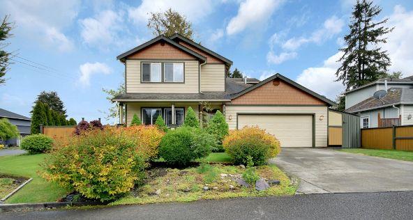 14403 11th Ave. Ct. E., Tacoma, WA 98445 Photo 2