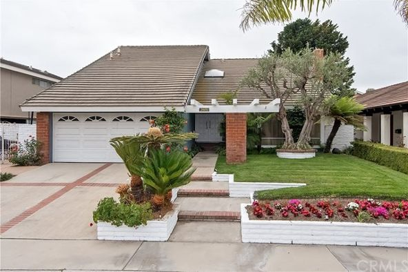 3925 Humboldt Dr., Huntington Beach, CA 92649 Photo 1