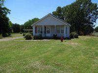 Home for sale: 2090 Pickwick, Savannah, TN 38372