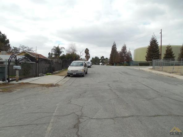 1021 Pearl, Bakersfield, CA 93305 Photo 2