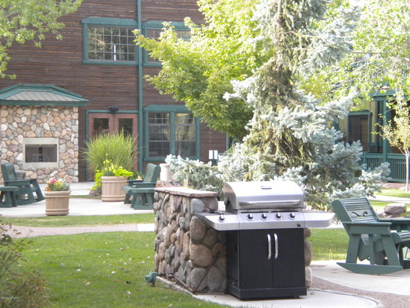 2347 Quarter Horse Trail, #226, Overgaard, AZ 85933 Photo 24