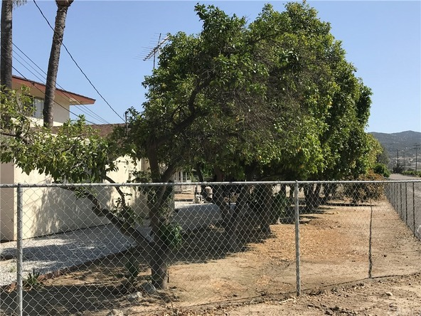 43005 Whittier Avenue, Hemet, CA 92544 Photo 3