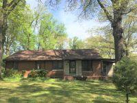 Home for sale: 810 Kennicott, Carbondale, IL 62901