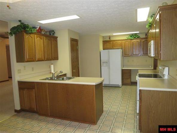 553 Baypoint Dr., Mountain Home, AR 72653 Photo 5