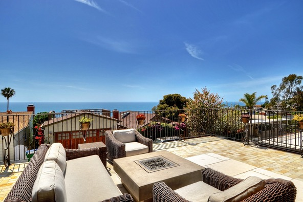 2950 Rounsevel, Laguna Beach, CA 92651 Photo 3
