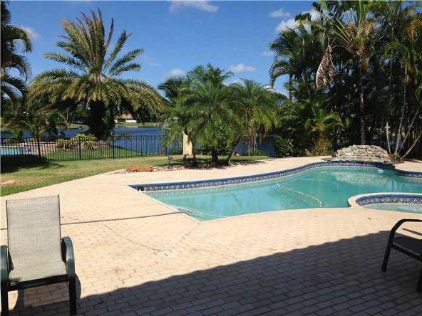 14861 Dunbarton Pl., Miami Lakes, FL 33016 Photo 6