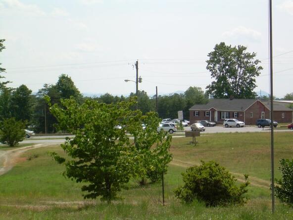 3500 Hickory Blvd., Hudson, NC 28638 Photo 4