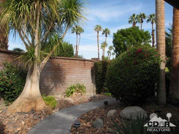 278 San Vicente Cir., Palm Desert, CA 92260 Photo 2
