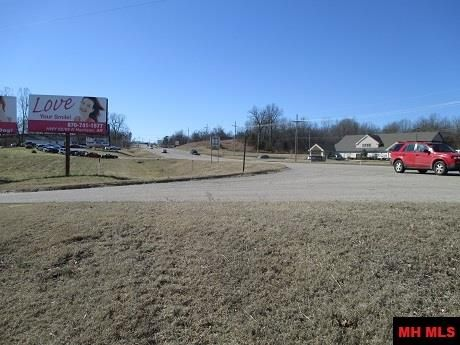 60 Roberts Dr., Mountain Home, AR 72653 Photo 2