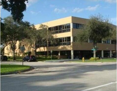 14100 Palmetto Frontage Rd., Miami, FL 33016 Photo 1