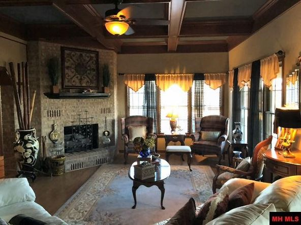 359 Woodridge Dr., Mountain Home, AR 72653 Photo 2