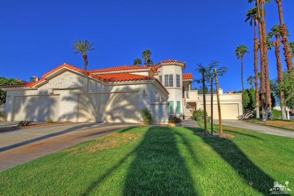 299 Vista Royale Cir. West, Palm Desert, CA 92211 Photo 2