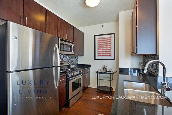 365 N. Halsted St., Chicago, IL 60661 Photo 1