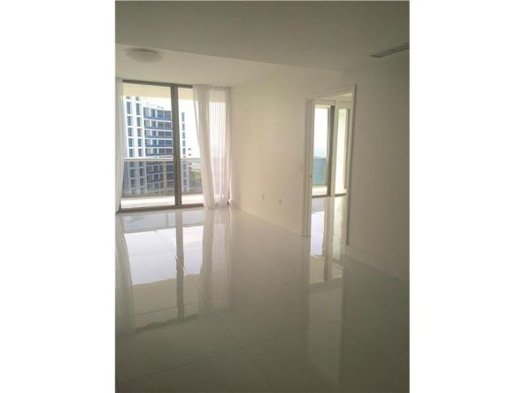 5875 Collins Ave. # 1803, Miami Beach, FL 33140 Photo 3