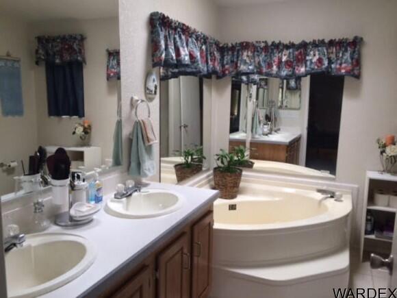 21570 S. John Wayne Rd., Yucca, AZ 86438 Photo 14