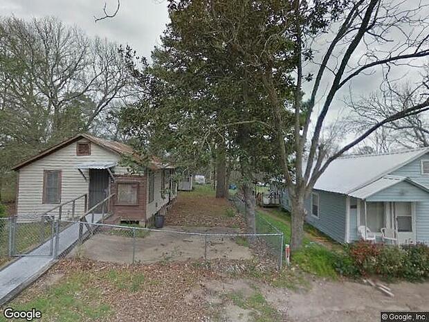 Julia, Huntsville, TX 77320
